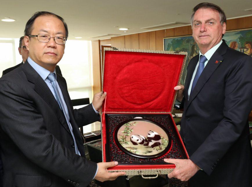 Bolsonaro fala sobre o 5G e a reunião com a Huawei do Brasil