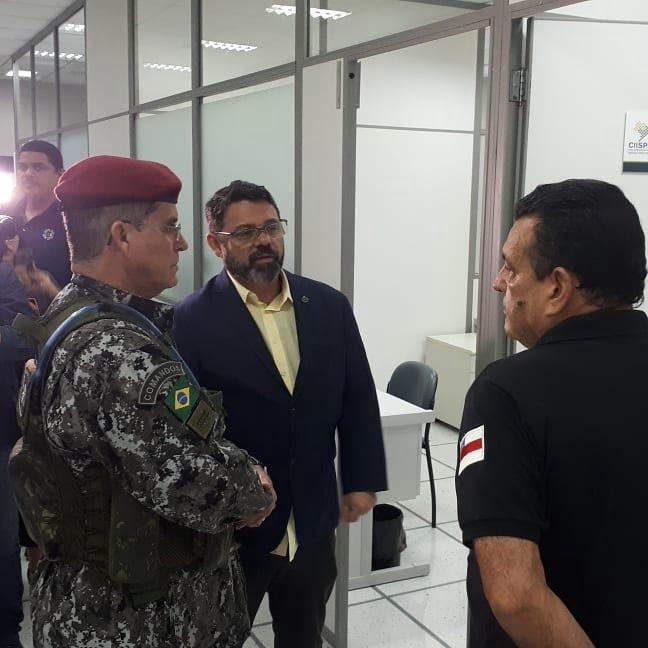 Em Manaus, general Theophilo visita instalações do Centro Integrado de Inteligência do Norte