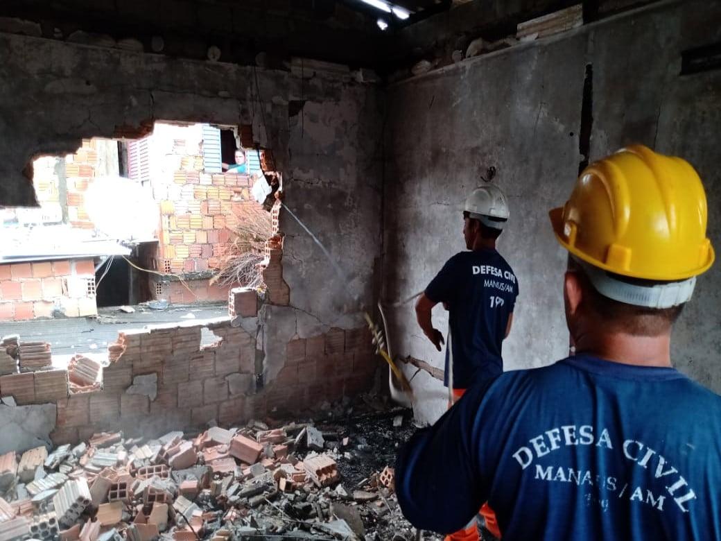 Prefeitura realiza nova vistoria em área de incêndio no São Lázaro