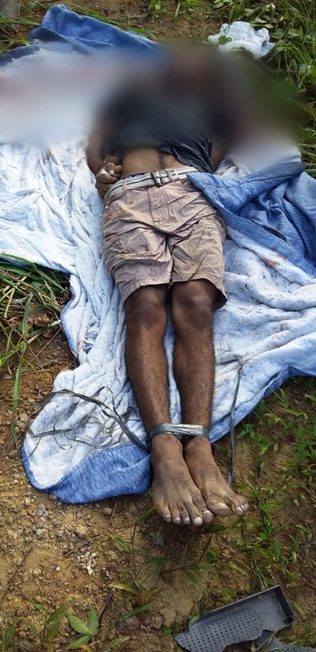 Com pés e mãos amarrados  corpo de homem é encontrado  em invasão de Manaus