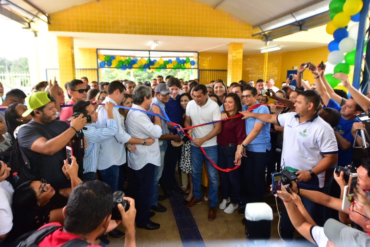 Wilson Lima inaugura Ceti em Presidente Figueiredo e anuncia retomada no fornecimento de fardamento e kit escolar