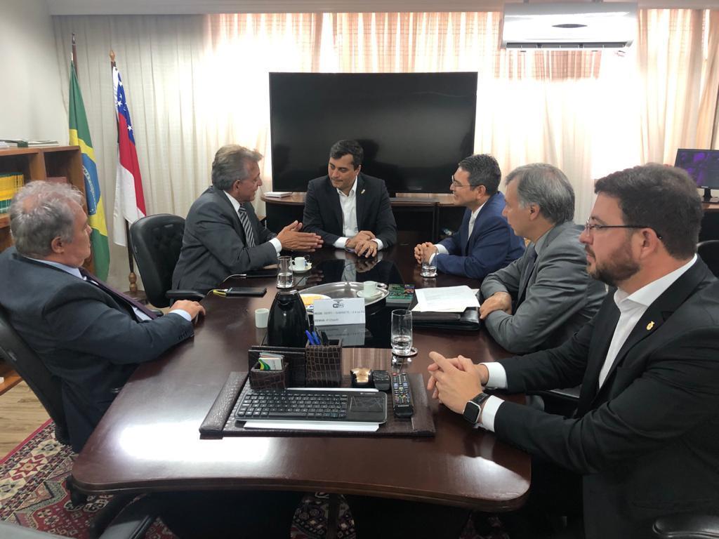 Wilson Lima apresenta proposta de decreto à Presidência da República para fixar alíquota do IPI dos concentrados em 8%