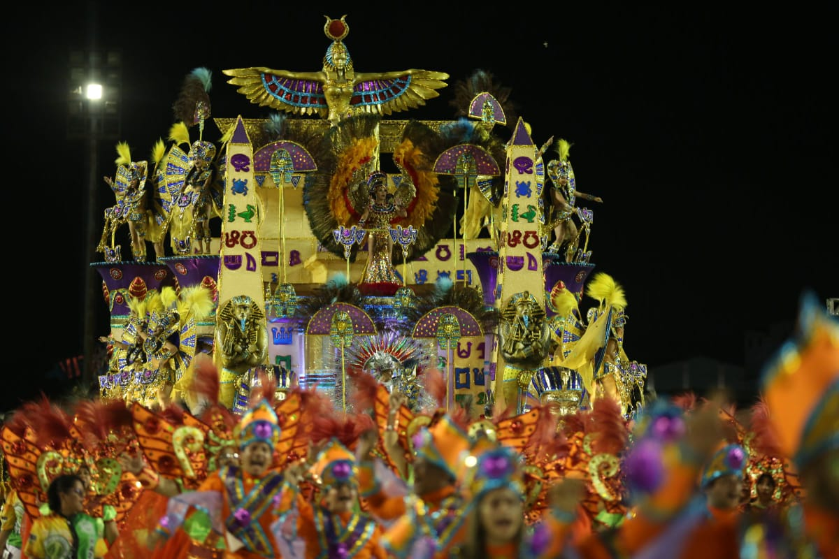 A CAMPEÃ VOLTOU – Aparecida leva o 23º título do Carnaval Amazonense