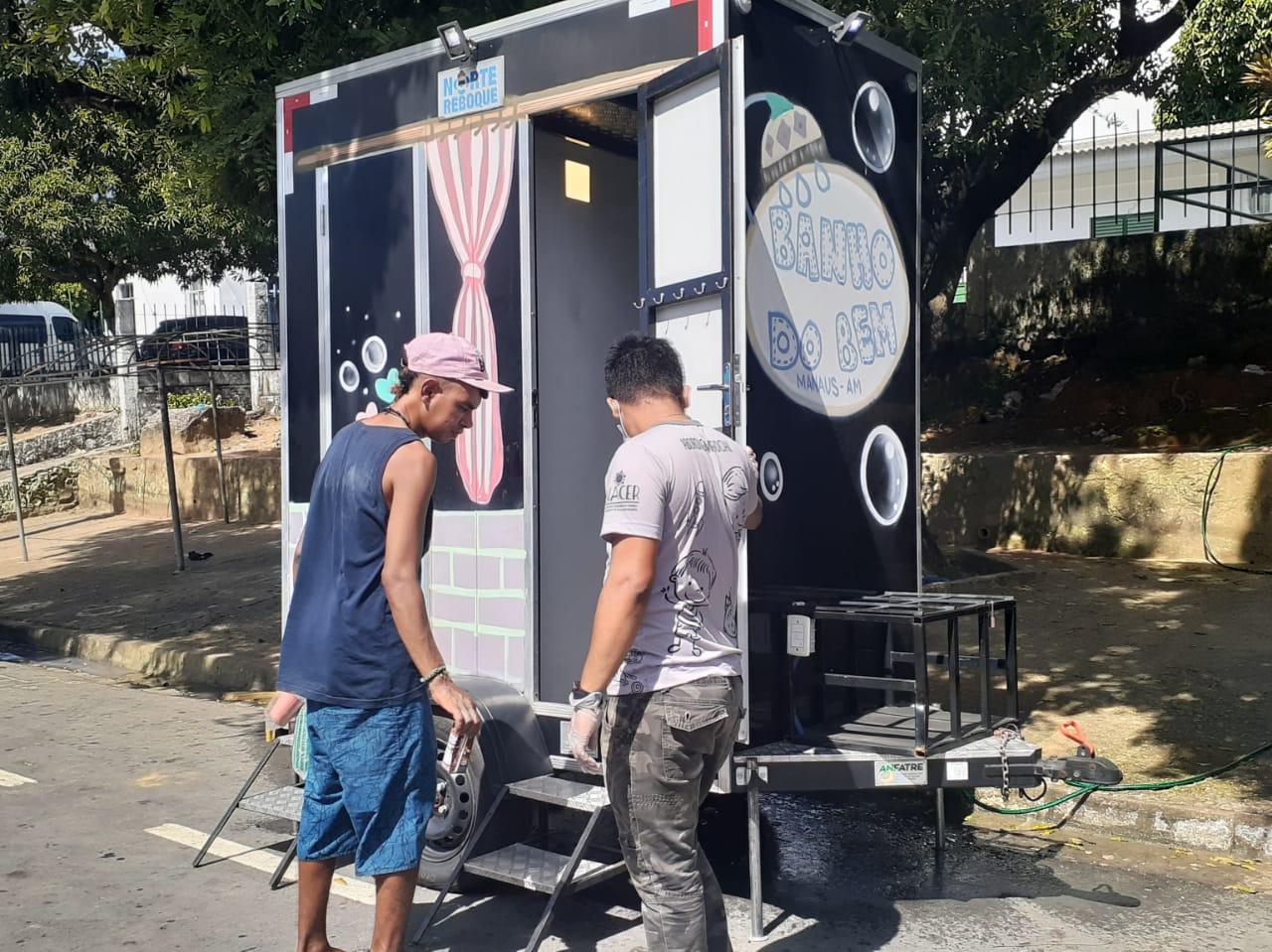 Pessoas em situação de rua recebem ação de higiene e orientação