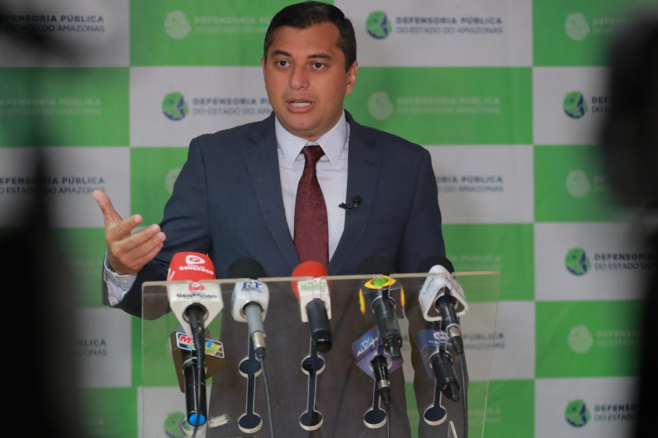 Wilson Lima anuncia auxílio-aluguel a famílias do Monte Horebe até que soluções de moradias sejam definidas