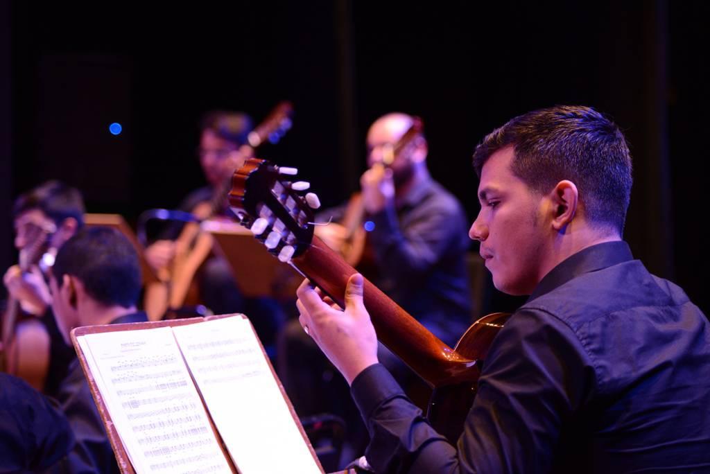 'Ovam Mix': concerto da Orquestra de Violões mescla músicas regionais e trilhas de filmes