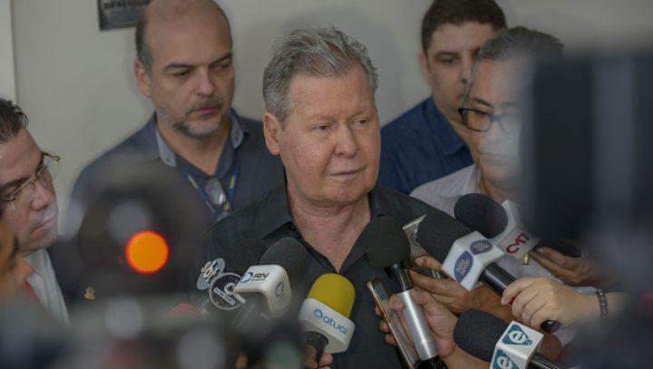 'Estamos fazendo tudo que está ao nosso alcance', diz Arthur ao decretar medidas contra a Covid-19