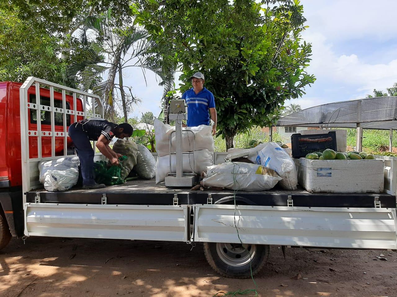 Famílias de Novo Airão recebem 4,5 toneladas de alimentos por meio do PAA