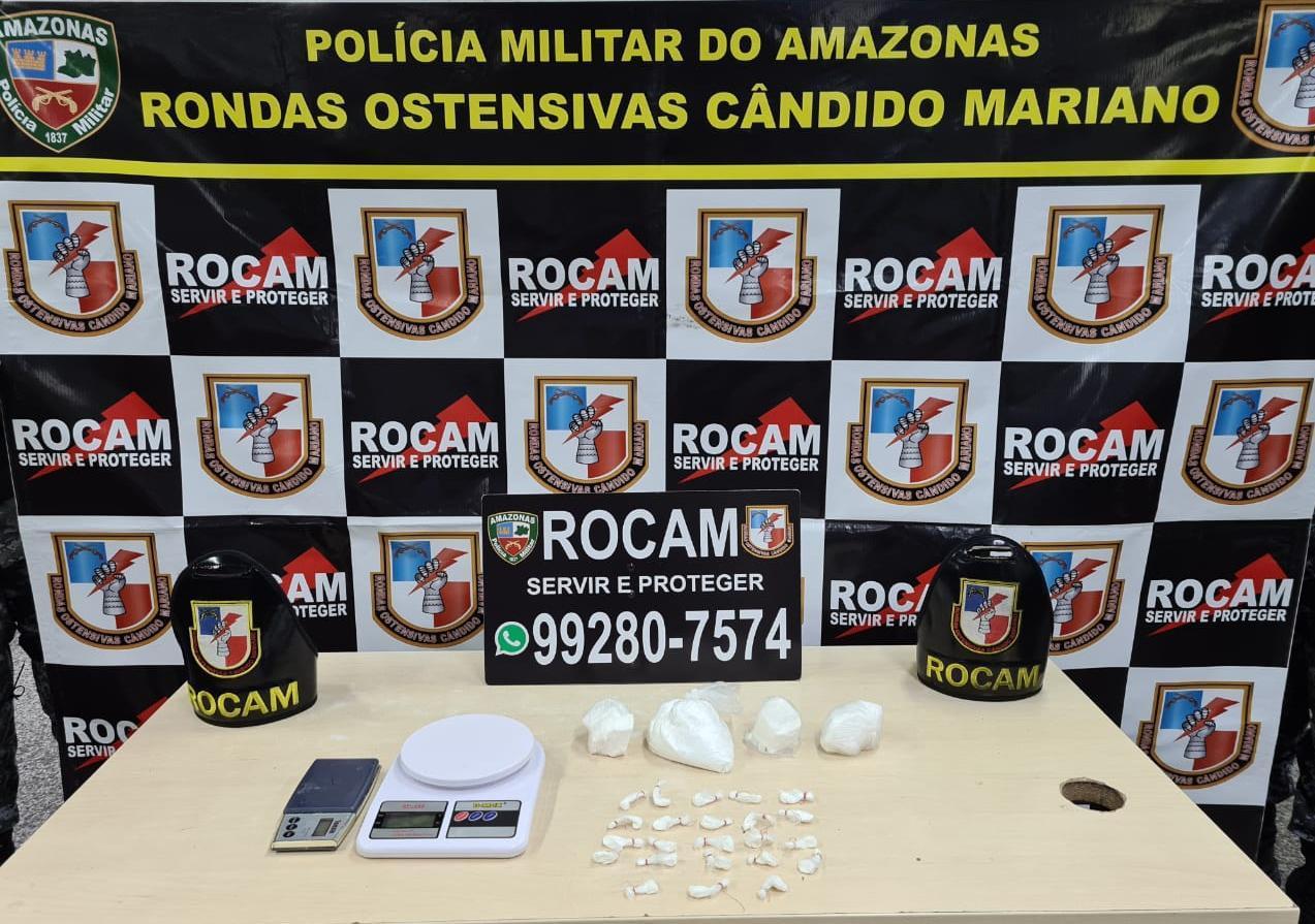 Polícia Militar prende 11 pessoas e apreende armas, balanças de precisão e celulares