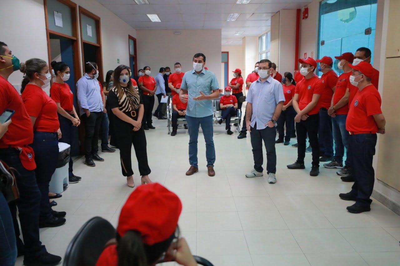 Wilson Lima recebe bombeiros militares da área da saúde que irão atuar em hospital de retaguarda