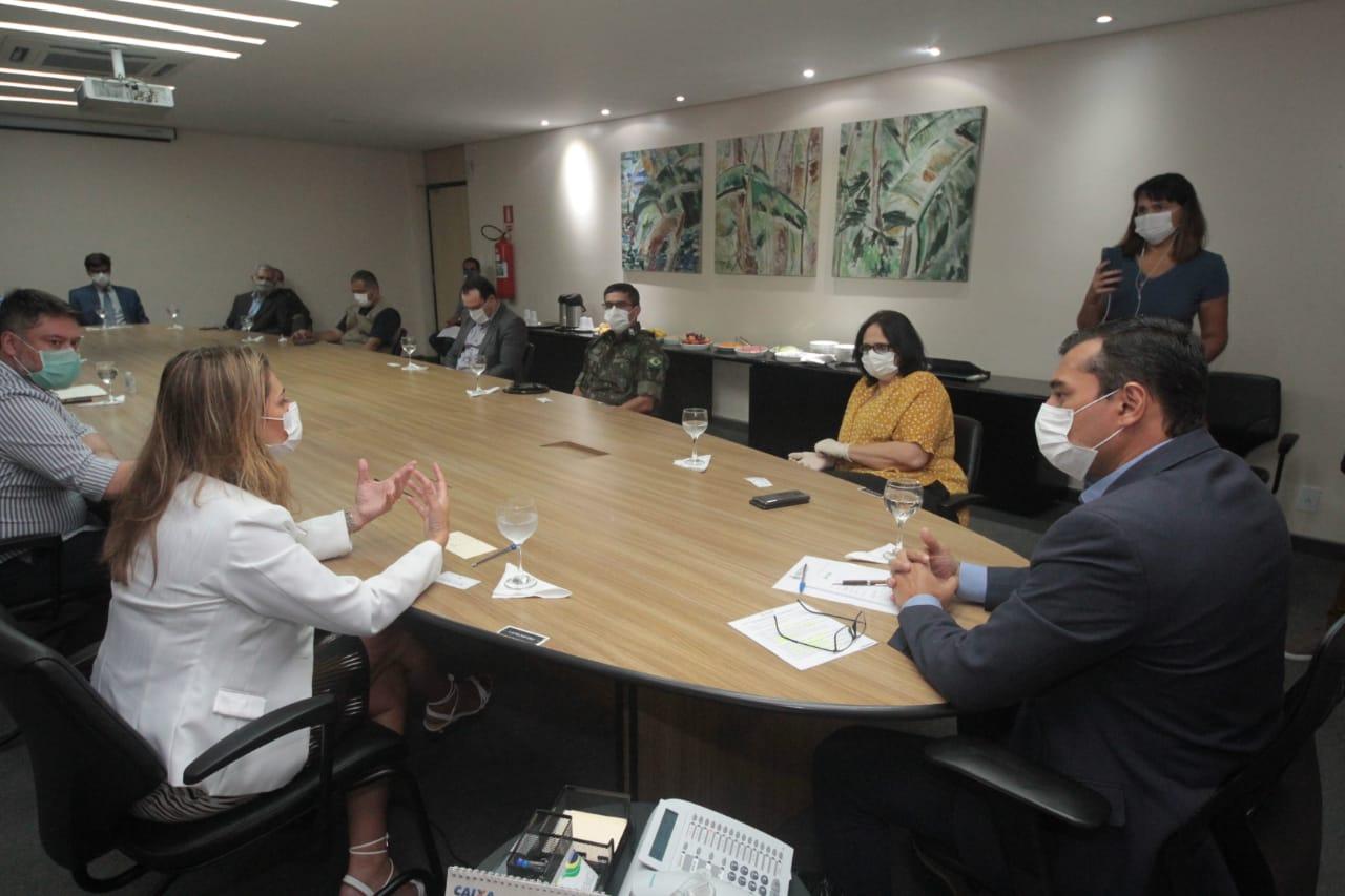 Wilson Lima se reúne com ministra Damares Alves para alinharações de combate aocoronavírus do Amazonas
