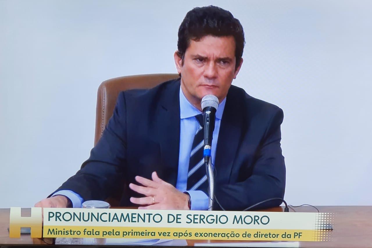 CRISE NO GOVERNO FEDERAL – Moro pede demissão e diz que Bolsonaro não cumpriu acordo