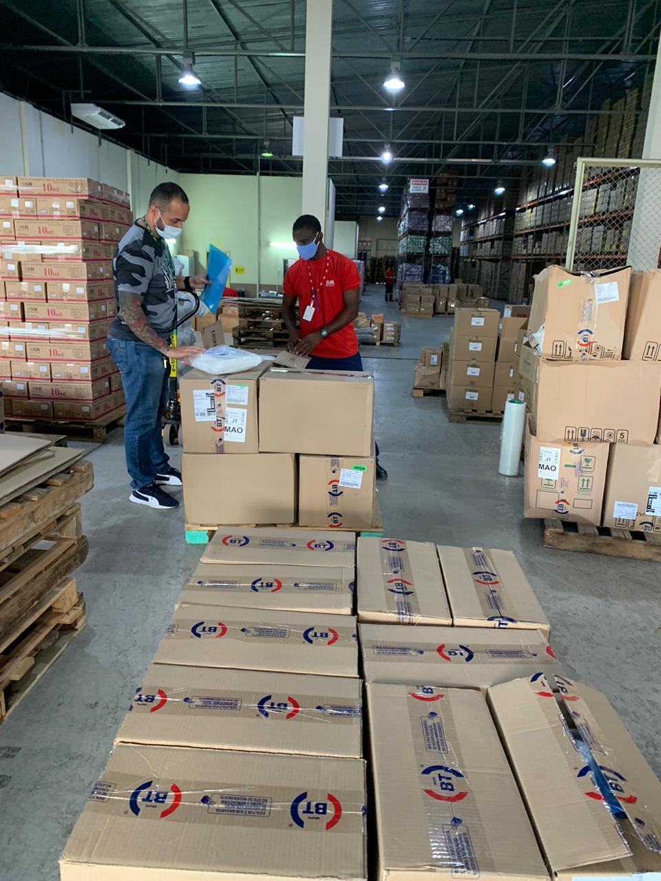 Indústrias de refrigerante doam EPIs para hospitais do Estado