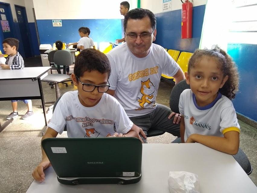 Com a participação de professores da rede municipal, 'Scratch Day' será transmitido pelo YouTube