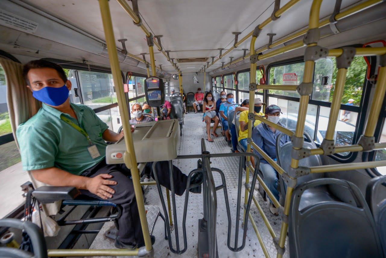 Prefeitura decreta obrigatório o uso de máscaras em comércios essenciais e meios de transporte