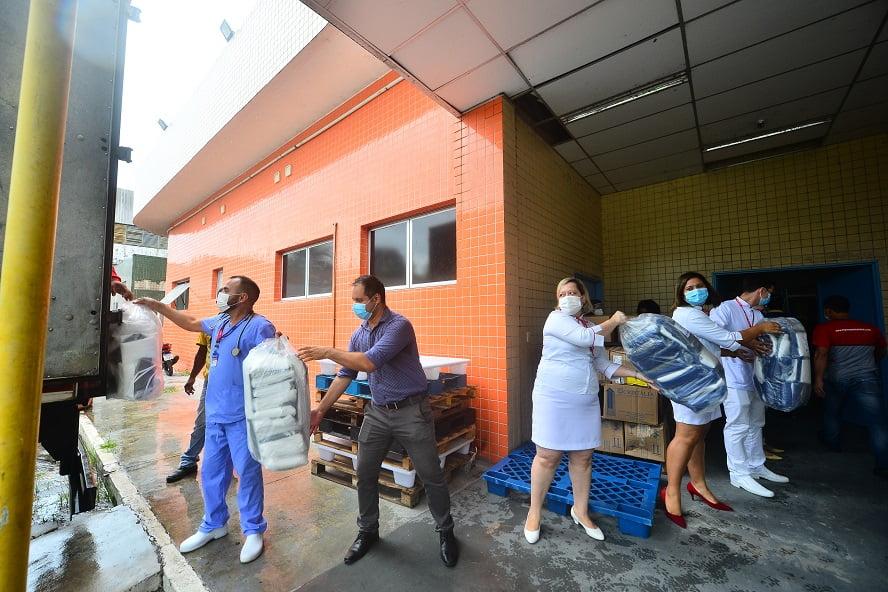 Hospitais Platão Araújo e João Lúcio recebem doação de R$ 500 mil em Equipamentos de Proteção Individual (EPIs)
