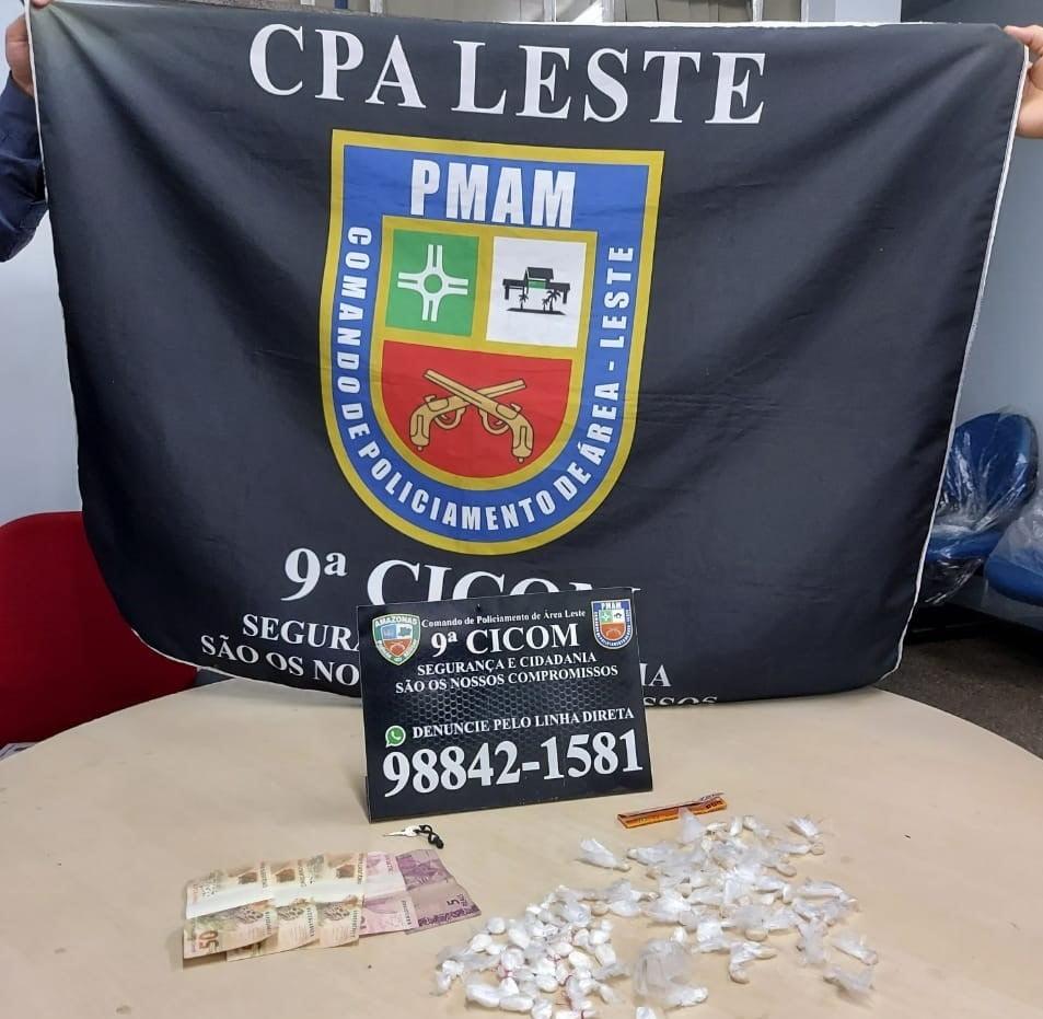 POLICIAIS MILITARES DA 9ª CICOM detêm homem por tráfico de drogas na zona leste