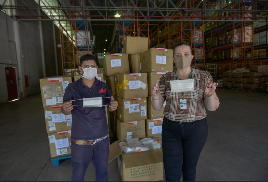 Manaus recebe cem mil máscaras de Taiwan