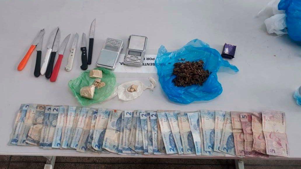 PM APREENDE 1,8 MIL TROUXINHAS de drogas no fim de semana em Manaus
