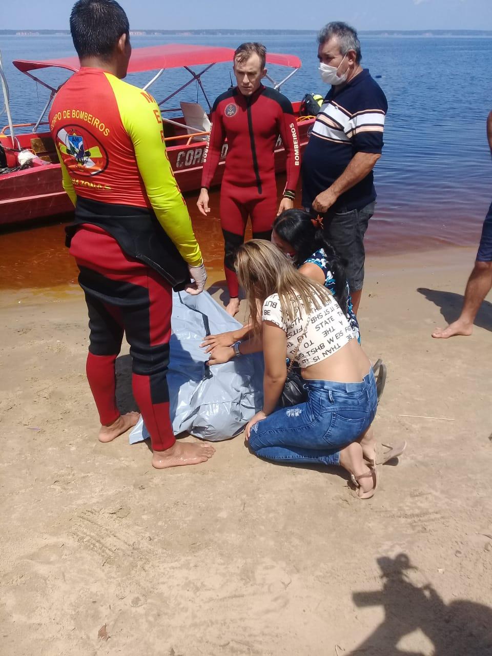 Corpo de Jovem é encontrado por bombeiros na praia da Ponta Negra