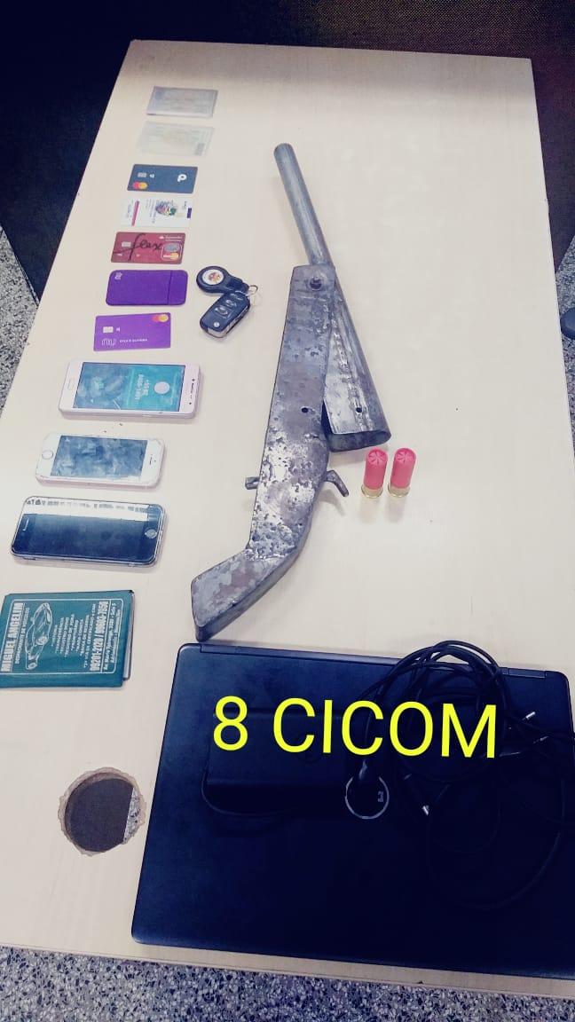 Policiais da 8ª CICOM detêm homens e apreendem adolescente por roubo na zona oeste