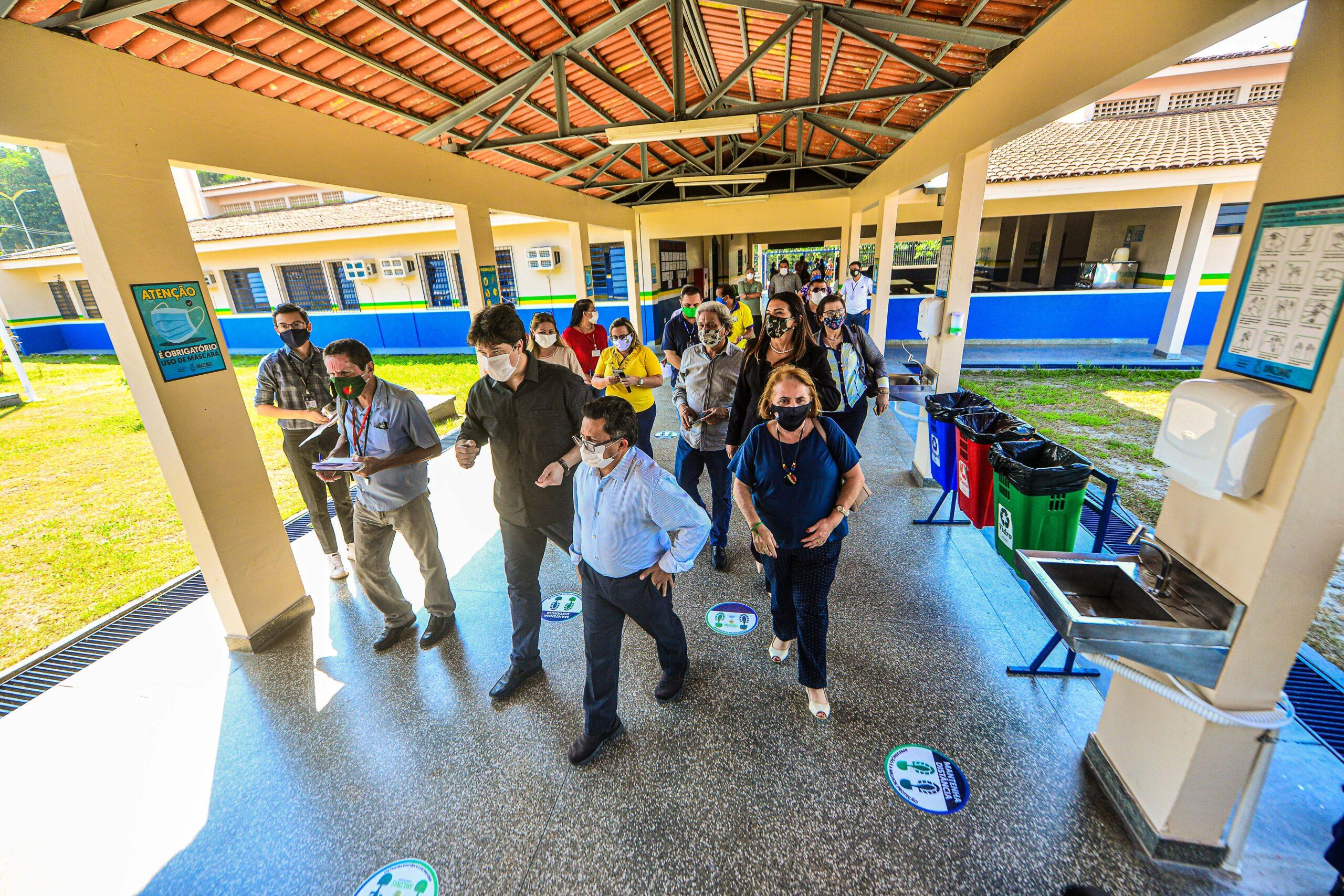 DEPUTADOS fiscalizam escolas de Manaus para retorno às aulas presenciais na segunda (10/07)