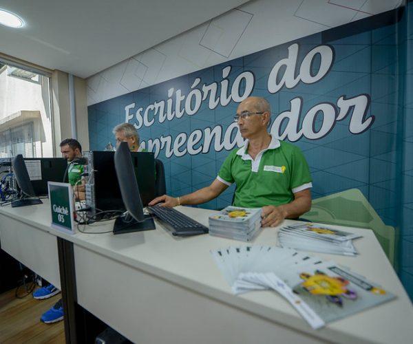 Escritório do Empreendedor recebe MEIs para declaração anual de faturamento