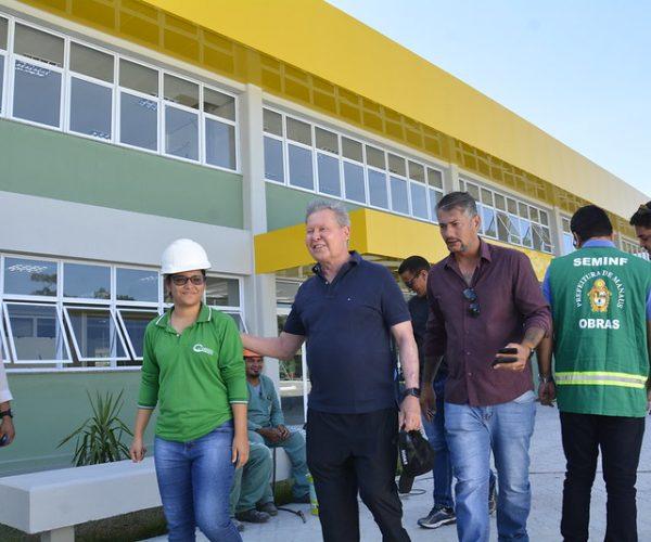 Prefeito vistoria obras do Cime do Distrito Industrial 2, que abrirá 1,6 mil vagas