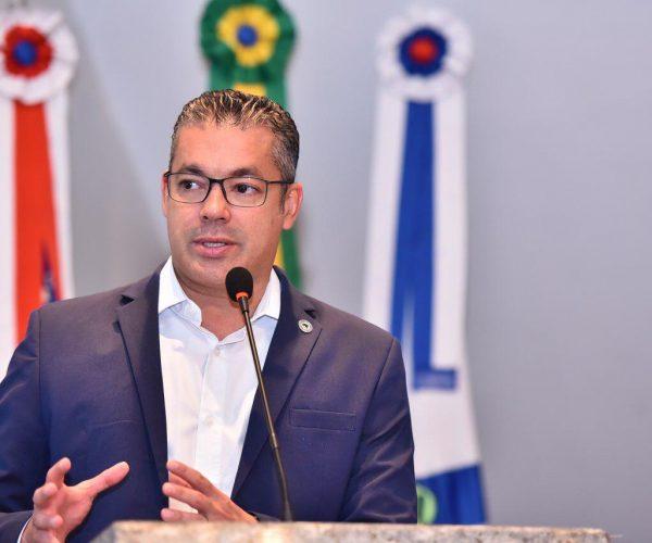 Emenda de Josué prevê R$ 240 mil para compra de ambulanchas para Boa Vista do Ramos
