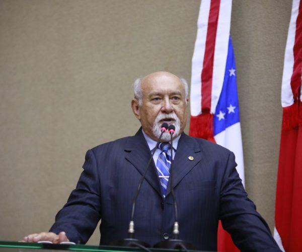 """""""Governo economiza e serviços de saúde melhoram no Estado"""", afirma Belarmino Lins"""