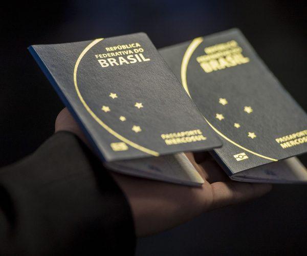 Plantão da Defensoria consegue autorização da Justiça para emissão de passaportes para adolescentes