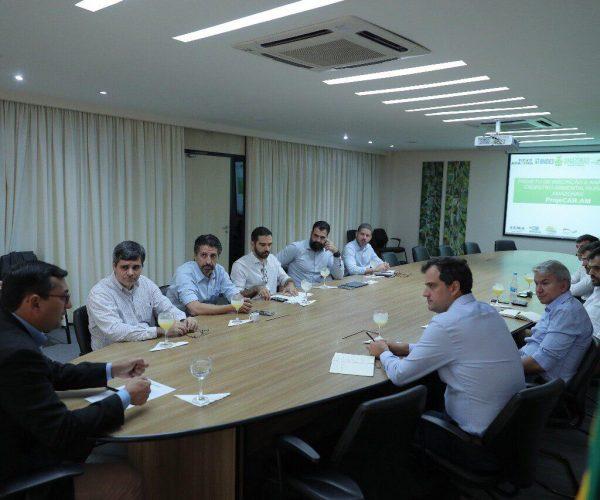 Wilson Lima recebe comitiva do BNDES para discutir retomada de investimentos do Fundo Amazônia